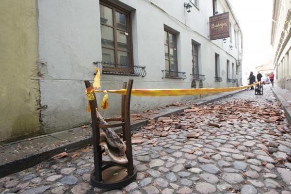 """Naktį liepsnose skendo klubas """"Brodvėjus"""" (papildyta 11.40 val.)"""