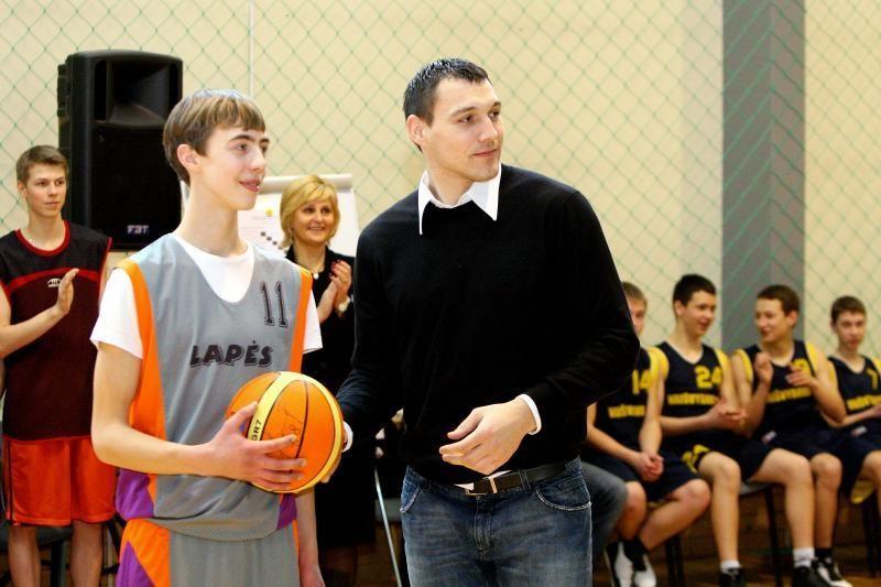 J.Mačiulis tapo krepšinio treneriu, V.Garastas – istorijos mokytoju