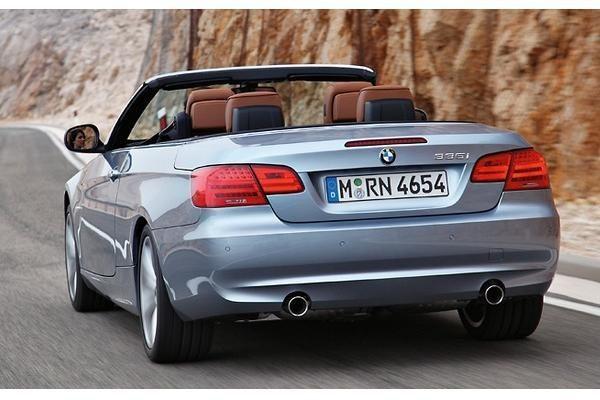 BMW pristatė atnaujintus 3-ios serijos kupė ir kabrioletą