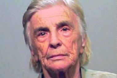 Močiutė vagišė policijai įkliuvo 61-ą kartą