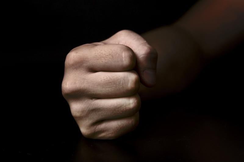 Tramdydamas smurtautojus nukentėjo Šilutės rajono policininkas
