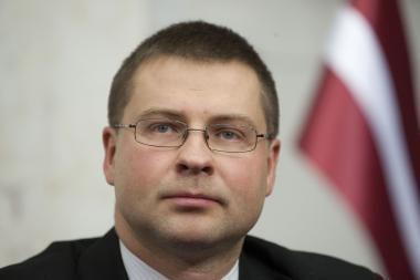 Latvijos parlamentas patvirtino naują Dombrovskio vyriausybę (papildyta)