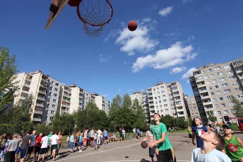 Krepšinio turnyras Šilainiuose priviliojo 200 aistruolių