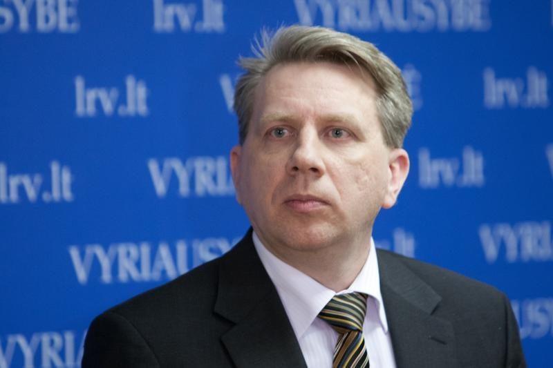 D.Valys raginamas teikti prezidentei D.Raulušaičio atstatydinimą