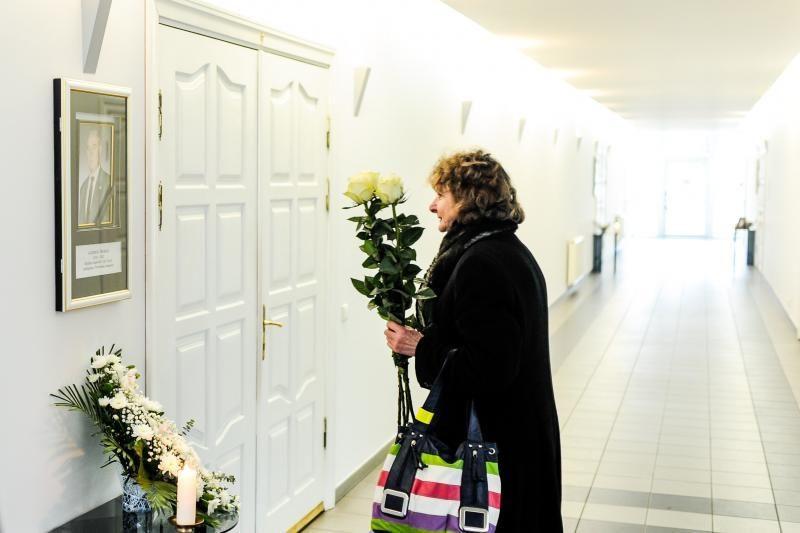 Žmonės plūsta atsisveikinti su legendiniu boksininku A. Šociku