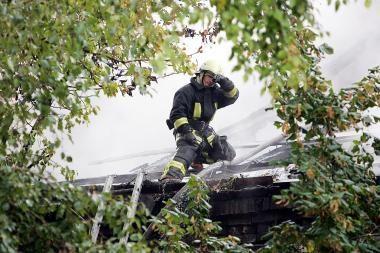 Panevėžyje apleistame name sudegė neatsargiai rūkęs vyras