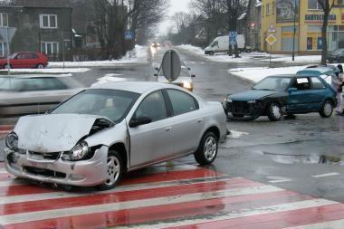 Klaipėdoje avarijoje nukentėjo vairuotojas