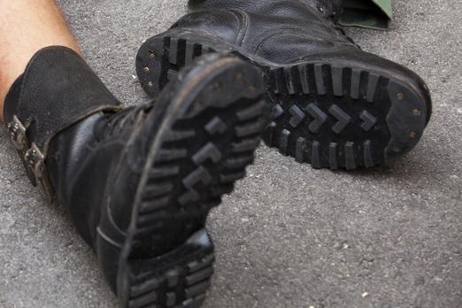 Siūloma kompiuterių vartotojus identifikuoti pagal batus
