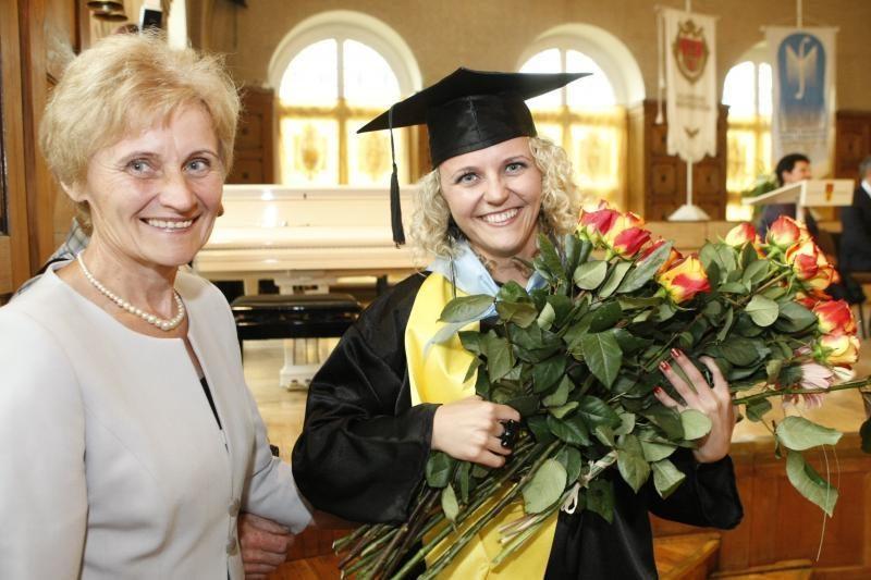 KU diplomų dalybas užbaigė Menų fakultetas