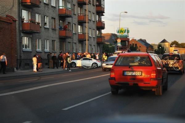 Klaipėdoje partrenktos šaligatviu einančios vokietės
