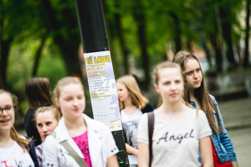 R. Kalantos žūties metinės: skambant roko muzikai vaikai piešė laisvę