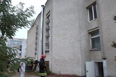 Kepyklos ventiliacijos angoje užsidegė šiltinimo medžiaga