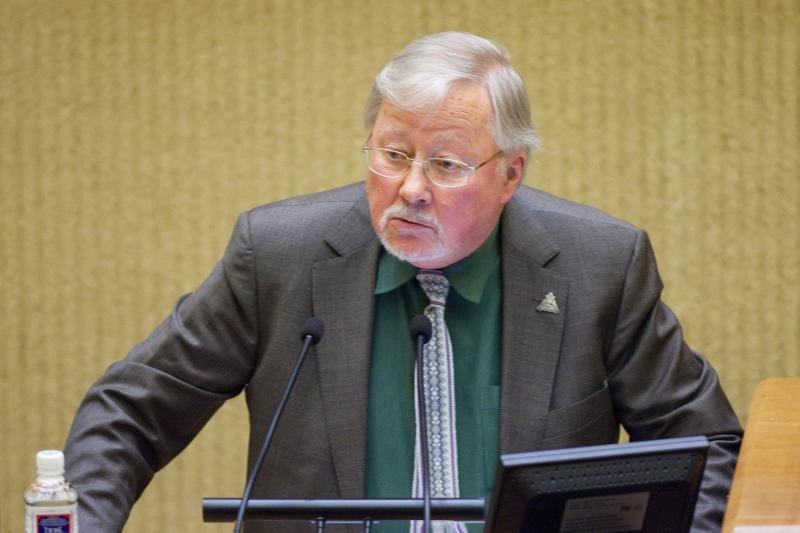 V.Landsbergis: pasiūlymai Vengrijai neturėtų atrodyti kaip EK diktatas