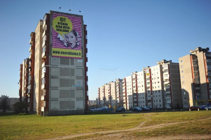 Nelegalias reklamas Vilniuje šalins ir miesto tvarkytojai