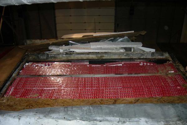 Panemunėje sulaikytas kontrabandinių rūkalų prikimštas vilkikas