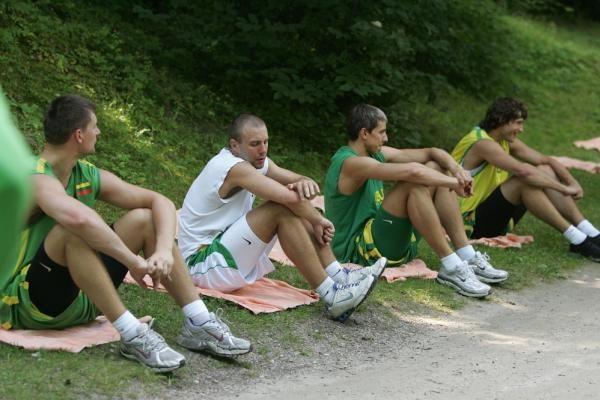 Lietuvos krepšininkai prakaitą lieja pajūryje