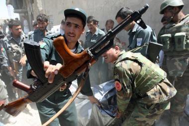 Afganistane pagrobtas humanitarinės pagalbos darbuotojas olandas