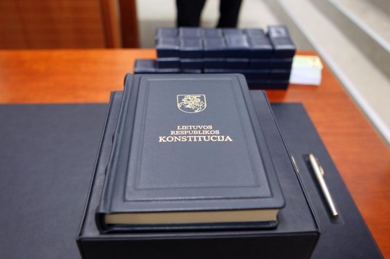 Pajūrio gyventojai kviečiami registruotis Konstitucijos egzaminui