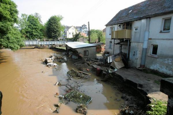 Liūtys ir potvyniai vėl užklupo Lenkiją ir jos kaimynes