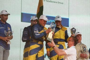 """1000 km lenktynės: nugalėjo """"Snoras Client Team"""""""
