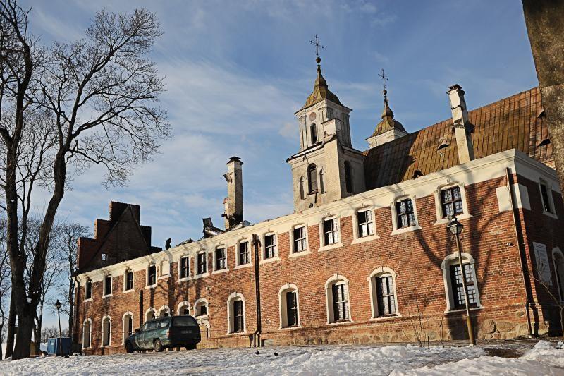 Dėl apgadinto Tytuvėnų bažnyčios stogo paskelbtas ekstremalus įvykis