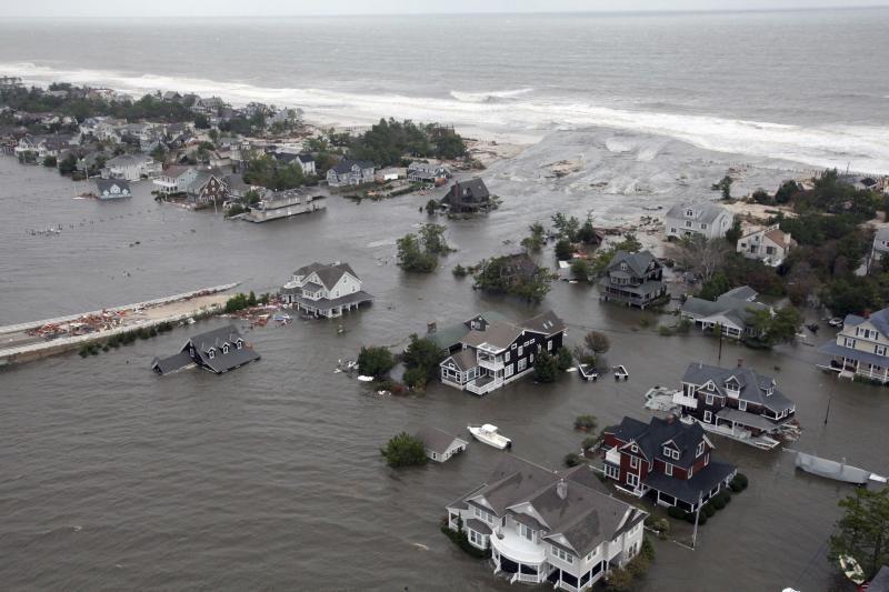 Po uragano niujorkiečiams savaitę gali tekti gyventi be elektros