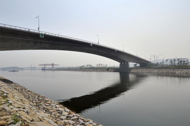 Naujas kanalas sujungė Pietų Korėjos sostinę su Geltonąja jūra