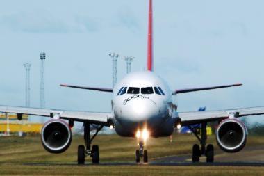 Lėktuvo važiuoklėje užstrigęs lavonas skraidė penkias dienas