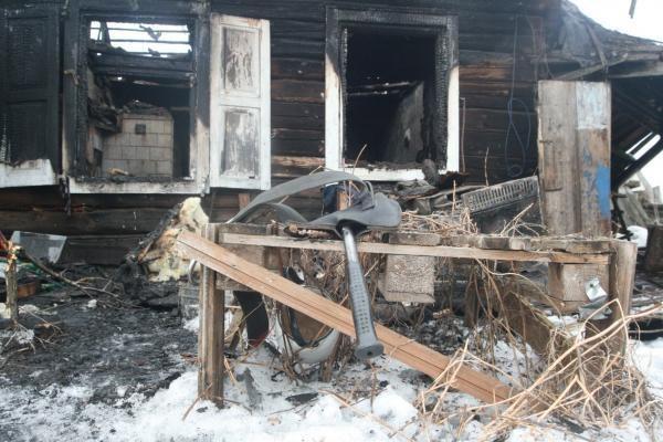 Naktį sudegusio vyro kūną ugniagesiai rado tik ryte