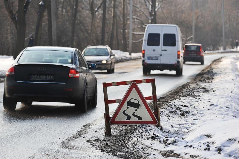 Milikonių kalnas vėl kelia grėsmę vairuotojams (papildyta)