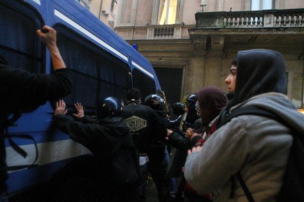 Italijoje prieš vyriausybės siūlomą universitetų reformą protestuoja tūkstančiai studentų
