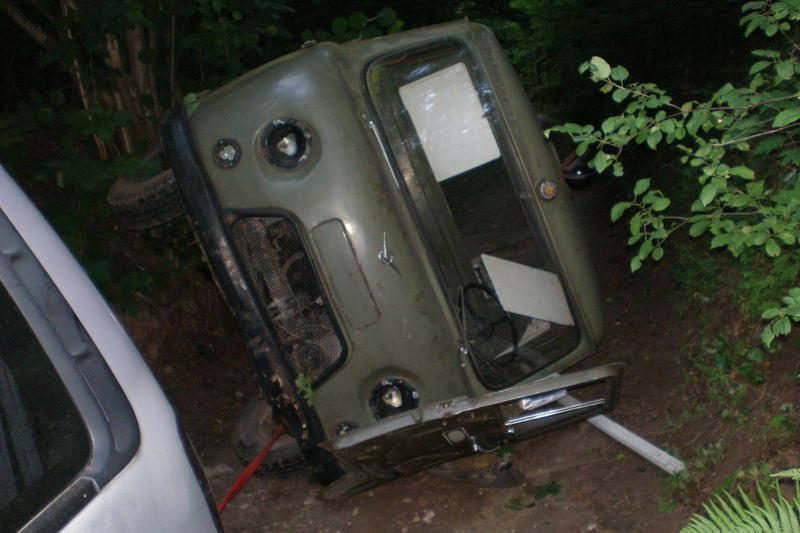 Iš apvirtusio automobilio ištrauktas vyras mirė vežamas į ligoninę