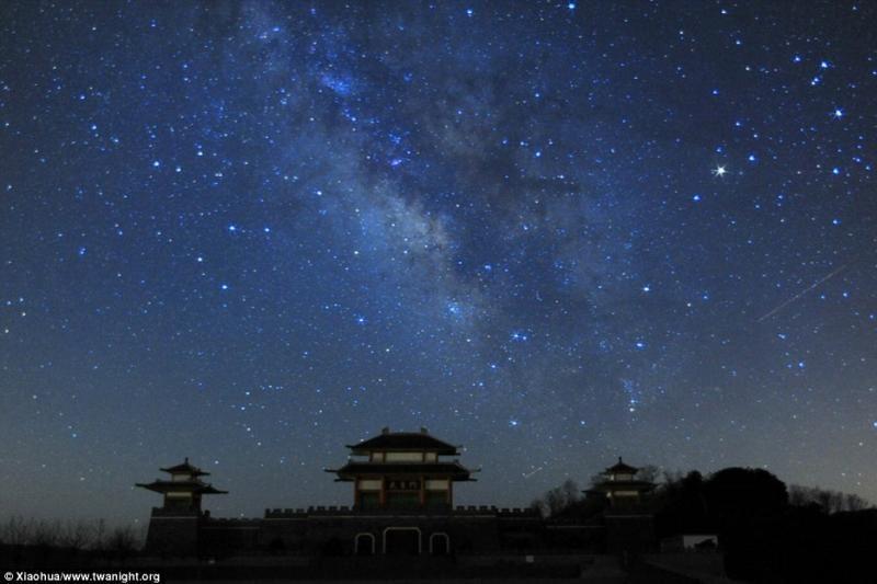 Šimtametėse teleskopų plokštelėse – nauji atradimai apie žvaigždes