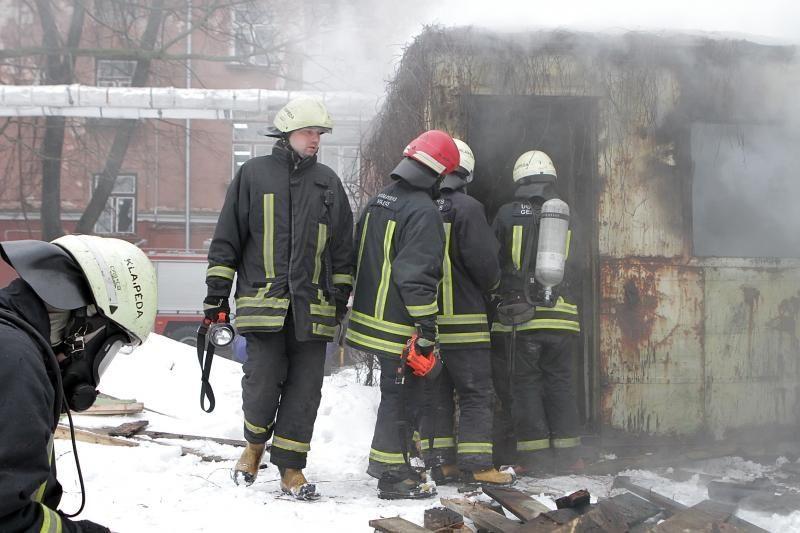 Degančios šiukšlės pasmardino Klaipėdos centrą