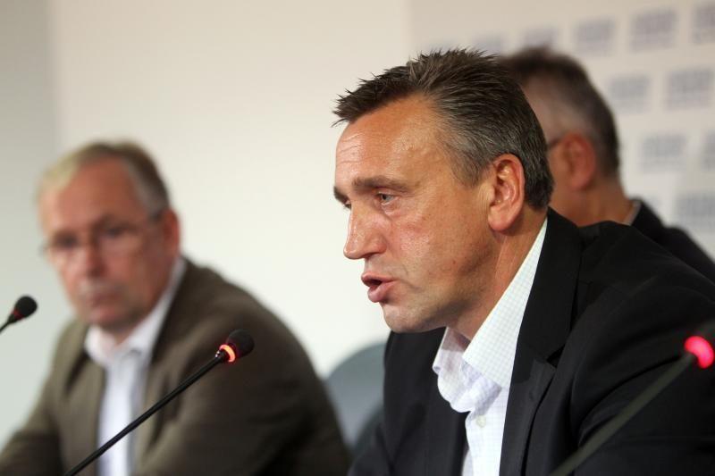 Bunda Lietuvos futbolo      bendruomenė?
