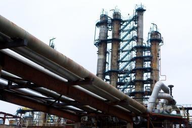Lietuva siūlo Lenkijai kartu kreiptis į ES dėl naftos tiekimo