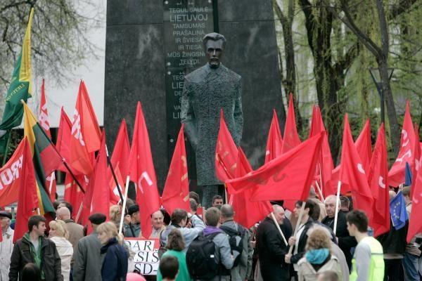 Gegužės 1-ąją minėjo frontininkai, prorusiškas jaunimas ir profsąjungos (papildyta)
