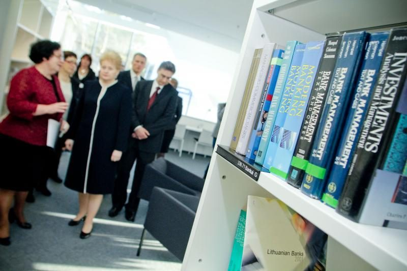 Modernios VU bibliotekos atidaryme – akibrokštas B. Juodkai