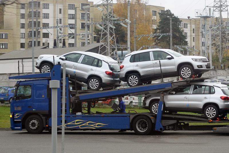 Automobilių pirkėjams sukčiai spendžia naujus spąstus