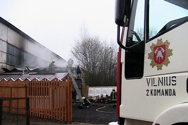 Vilniaus oro uosto pašonėje sudegė viešbučio pirtis