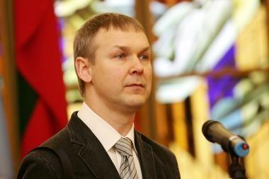 """L.Kernagis skundžiasi prokurorams dėl """"garbę ir orumą"""" žeminančios žinutės"""