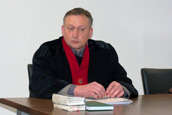 """Teisiamas buvęs """"Vilniaus vandenų"""" vadovas nori dirbti miesto taryboje"""