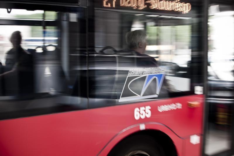 Kauno pensininkams viešojo transporto lengvatų teks palaukti
