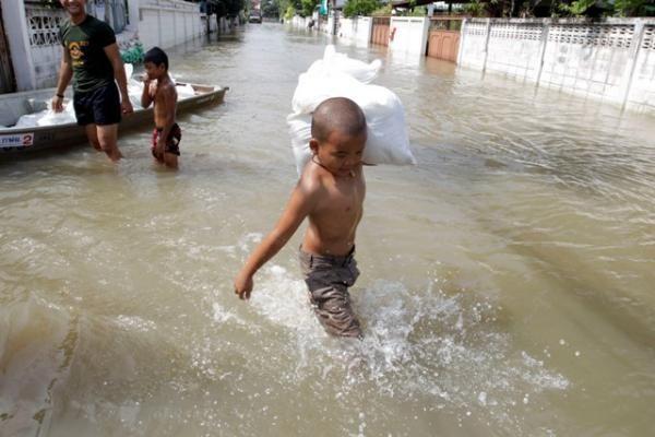 Vietnamą apėmę potvyniai nusinešė dar 16 gyvybių