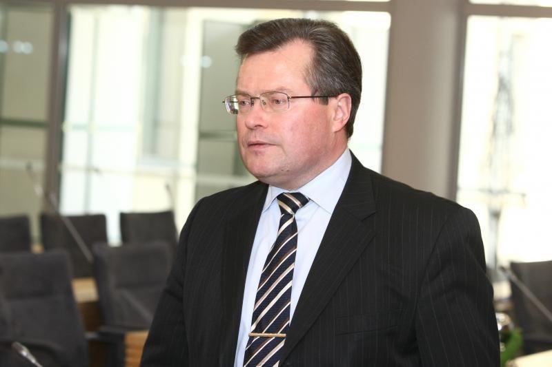 R.Šukys: teismai turi aiškintis apie įtartinas kaltinamųjų ligas
