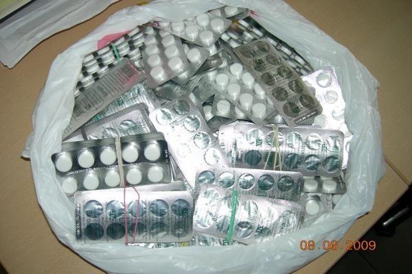 Sulaikyti neteisėtai gabenti medikamentai ir gintaras