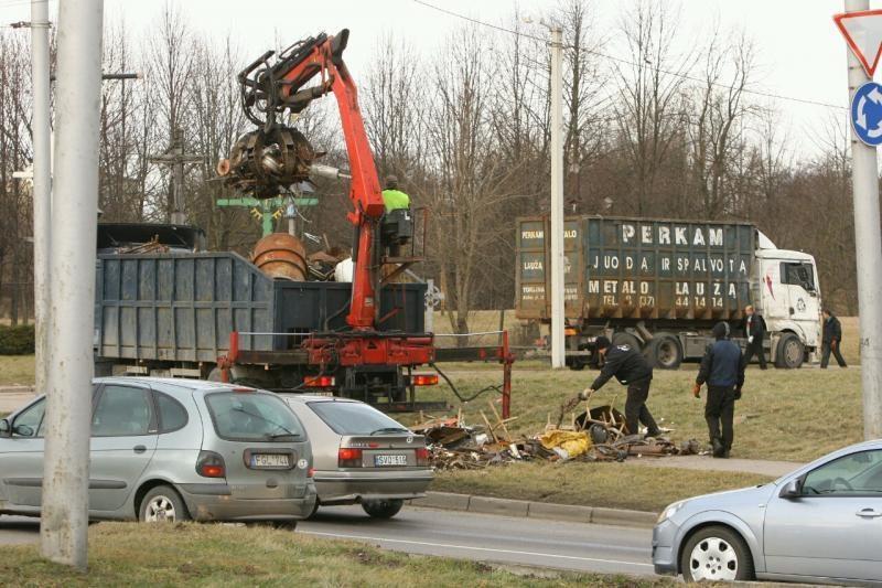 Apvirtęs   sunkvežimis   sukėlė   spūstį