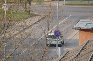 Kodėl policininkai pažeidžia eismo taisykles?