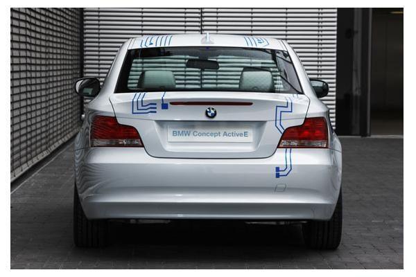 BMW veržiasi į elektromobilių rojų