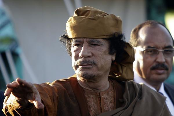 Libijos lyderis atsisako trauktis iš valdžios ir ragina pradėti derybas